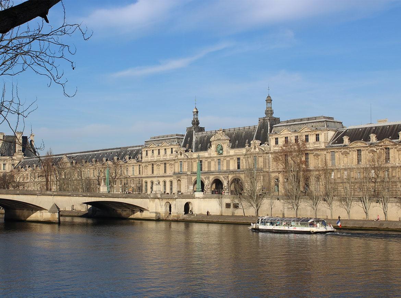 Il Louvre e la Senna