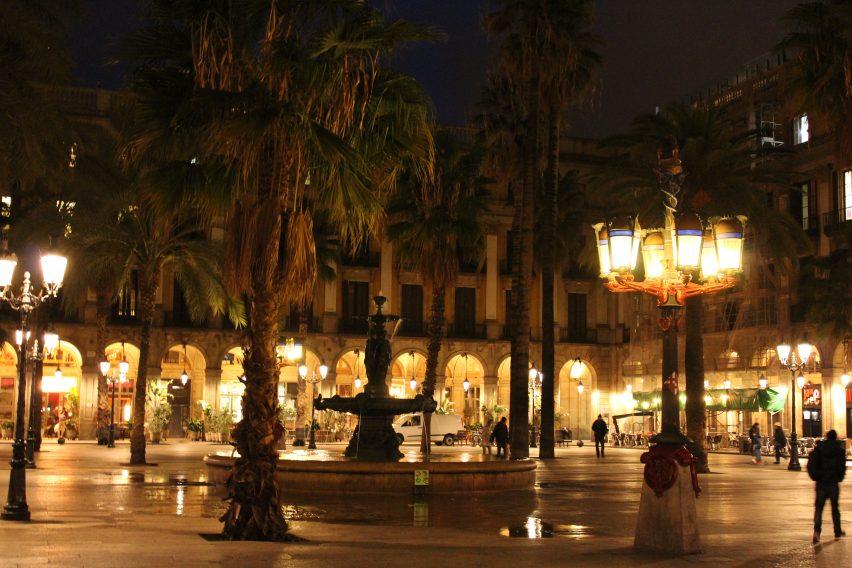 Plaça Reial, Barcellona, by night
