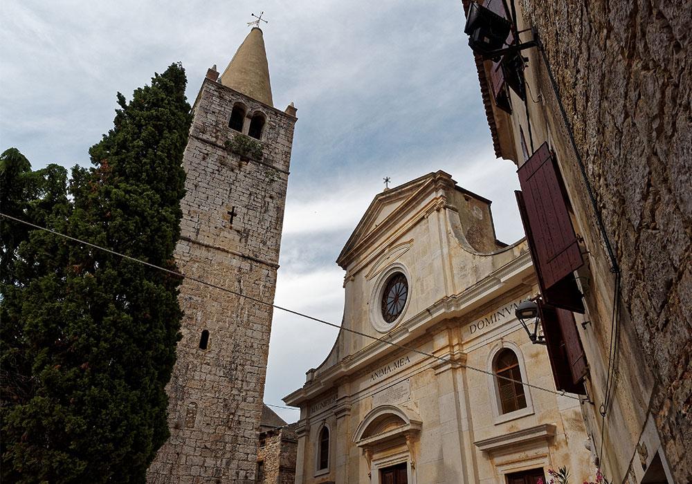 Campanile della Chiesa di San Giuliano a Bale (Valle)
