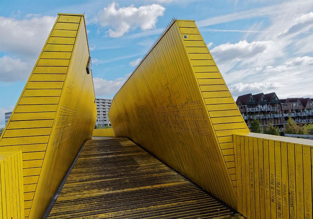 Luchtsingel, la prima infrastruttura pubblica realizzata attraverso il crowdfunding